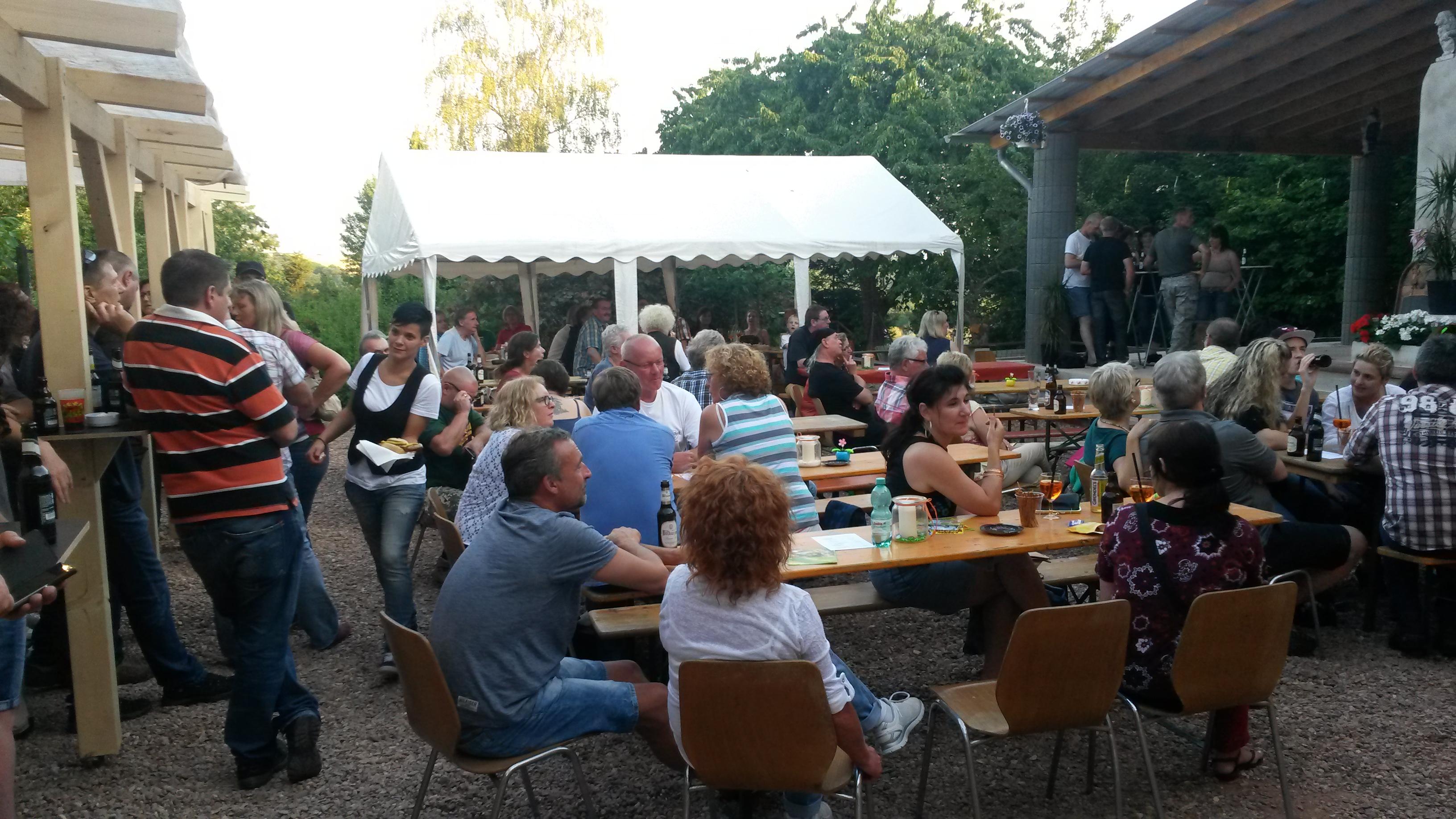 Wadern: Konzert in Herrys Kulturgarten Vogelsbüsch – Saarland