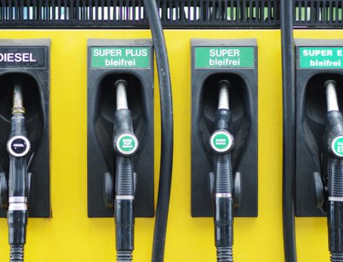Autofahrer vergisst eingesteckten Gaszapfhahn