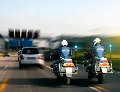 Alkoholisierter 19-Jähriger liefert sich Verfolgungsfahrt mit der Polizei