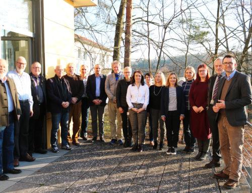 Minister Jost ernennt Neumitglieder der Tierversuchskommission – Forschungspreis soll ab 2020 Alternativen fördern
